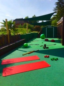 Im Außenbereich liegt alles für Dein Training bereit!