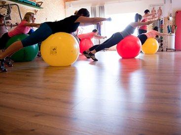 """Training mit dem Gymnastikball und TOGU """"Brasils"""""""