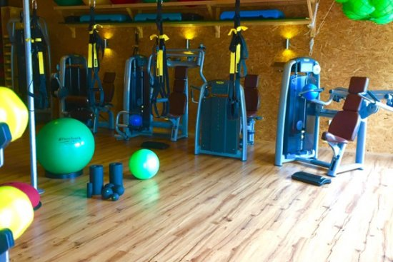 Armpressen und kleine Trainingsbälle